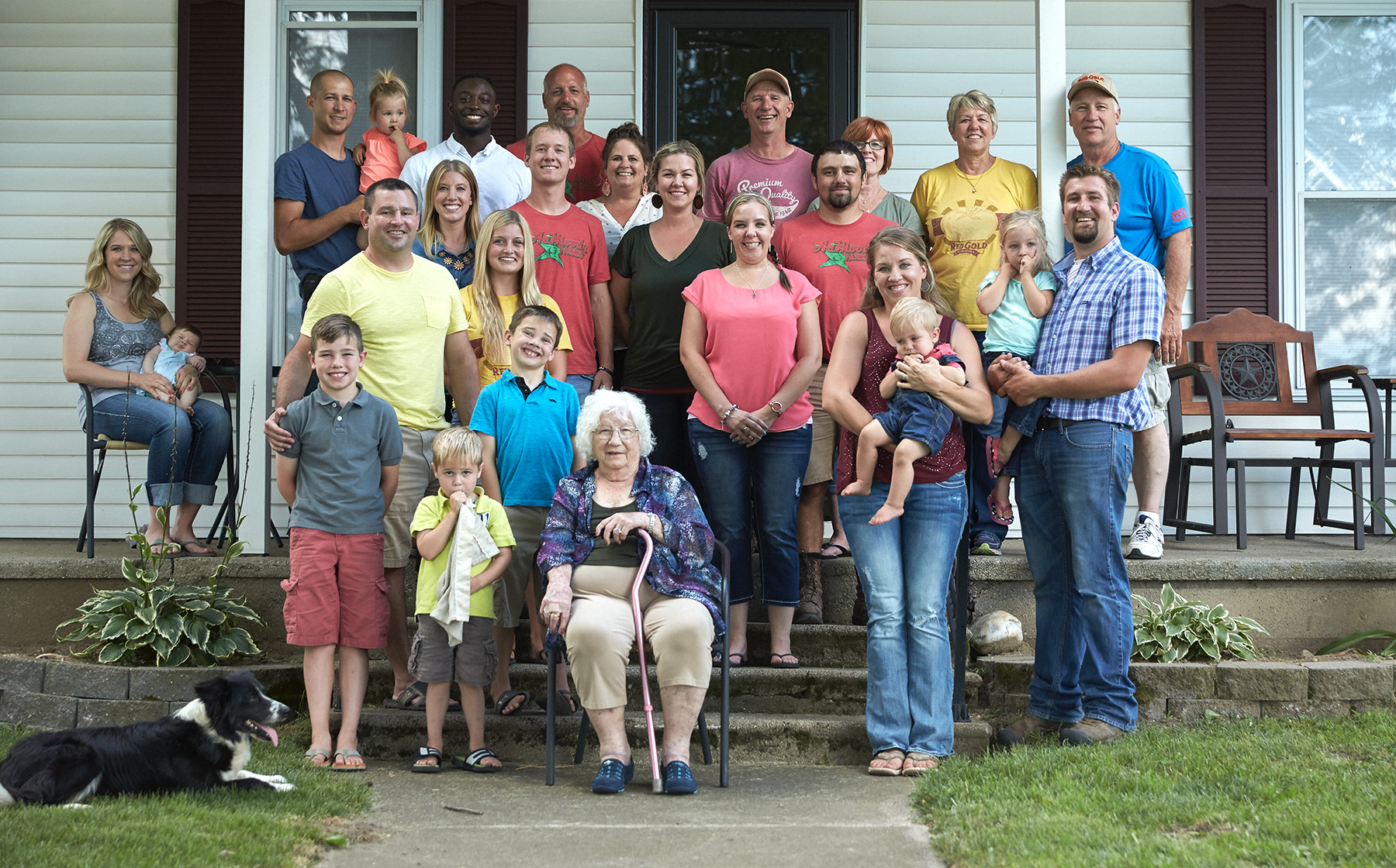 Image of the AcMoody Farms family growers for Red Gold Tomatoes