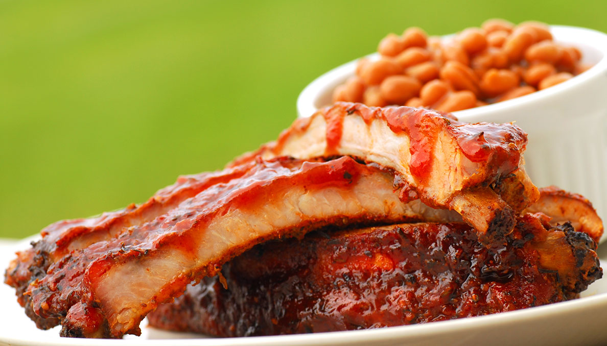 Image of BBQ Ribs with baked beans